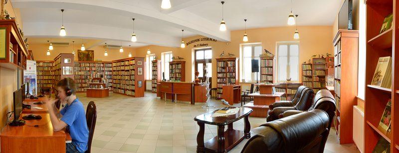 W soboty biblioteka czynna do godz. 17:00